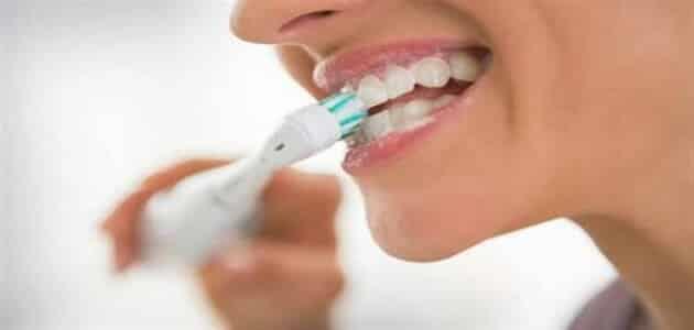 دراسة: غسل الأسنان بانتظام يقلل من خطر الأزمات القلبية