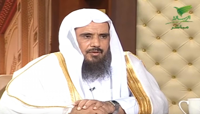 بالفيديو: الخثلان يوضح حكم رفع الصوت بالبكاء أثناء الصلاة