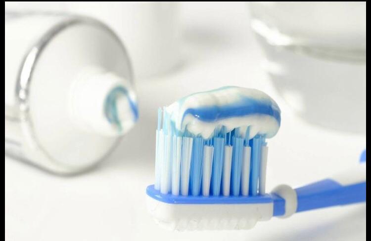 هل يوجد وقت مناسب لتنظيف الأسنان؟ .. هنـــــــــــــــــــــــــــــــــــا التفاصيـــــــل