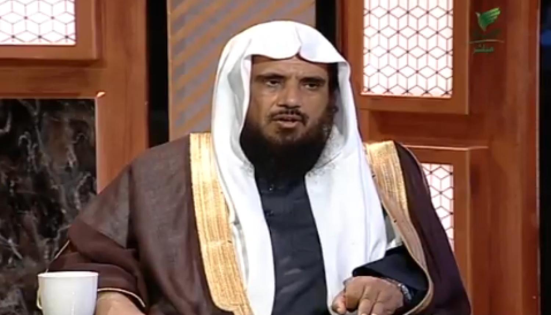 الشيخ الخثلان يوضح حكم الجهر في صلاة التهجد (فيديو)