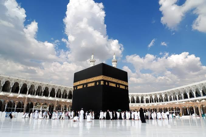 مكة.. حقيقة السماح لغير المعتمرين بدخول «المطاف»