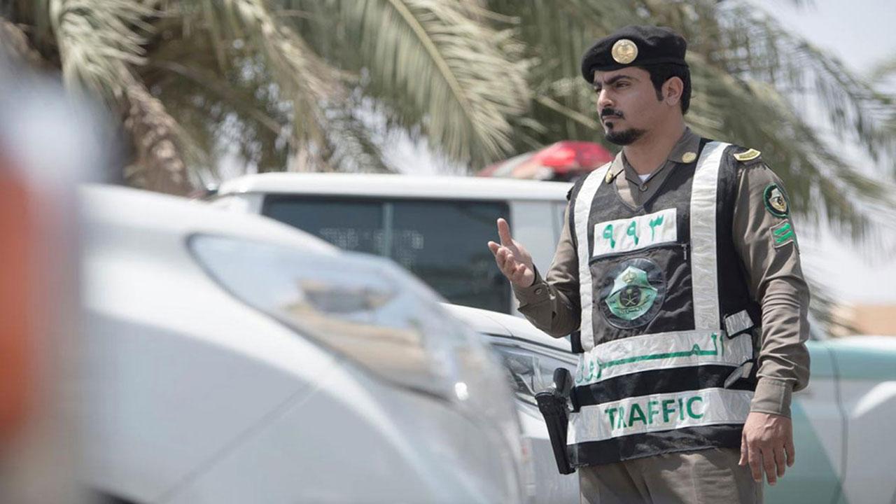 المرور يُذكر مجددًا بغرامة قيادة المركبات في القرى والهجر بدون رخصة